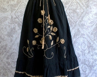 Vintage 1970s Skirt 70s Black Floral Hippie Bohemian Midi Drawstring Skirt Womens Size Small Medium