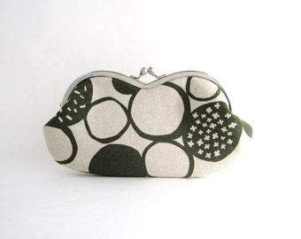 Sunglasses  Case/  Frame Clutch Purse -Green Big Pebbles