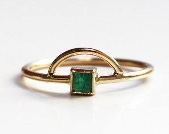 Emerald Arc Ring 14K yellow gold