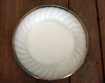 vintage fire king bread and butter plates dessert plates white gold set of four