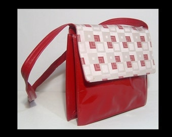 Genuine lipstick red patent leather cross body purse ~ made in Italy ~ Roberto Capucci ~ crossbody bag ~ shiny wet look ~ long strap