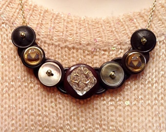 Glass Delicacy button necklace