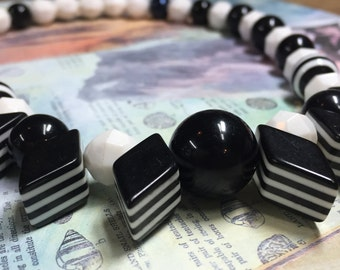 Black and White Stretch Necklace - Bubble Gum Photo Prop - Chunky Necklace - Black and White Stripe Beads - Mod Choker