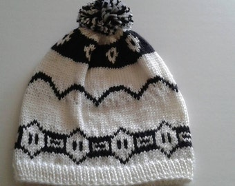 Weasley white and black twins beanie, harry potter, ready to ship