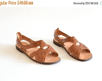 50% OFF SALE / Vintage HUARACHES woven leather sandals / 10