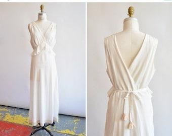 30% off storewide /// Vintage 1930s BIAS cut wedding dress