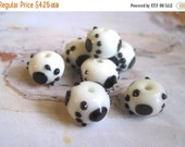 30% OFF SALE White and Black Lampwork Glass Roundelle 13mmx10mm Beads, 6 pcs