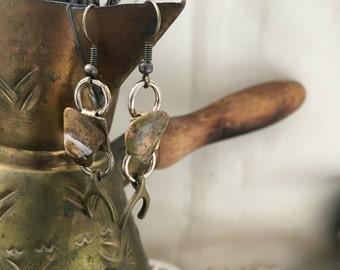 Bronze Wishbone with Swirled Stone