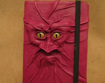 Grichels leather deluxe medium notebook/sketchbook - fuchsia with gold speckled slit pupil reptile eyes