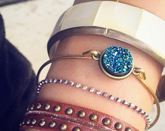 Blue Faux Druzy Bangle Bracelet / Raw Brass Bronze Iridescence Boho Bohemian Lover Gift Gypsy Bracelet Stacks Simple Everyday Festival Style