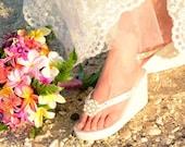 Bridal Flip Flops/wedge/Ivory or white bride flip flops/Wedding Flip Flops with Pearl Bling/Platform.Rhinestone.bridesmaid
