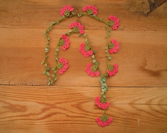flower necklace, green salmon pink, crochet, turkish oya