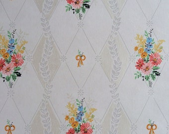 Vintage Wallpaper - Floral Bouquet Pink, Blue, Yellow on Cream - 1 Yard