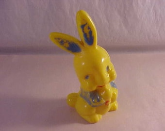 Irwin Plastic Easter Bunny Candy Conytainer
