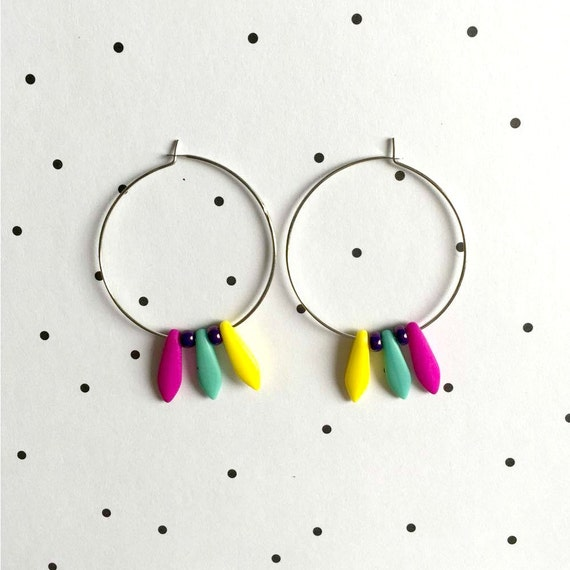 Hoop Earring, brass, nickel free, two sizes diameter possibilities, oval, glass bead, purple pink, turquoise, yellow,  les perles rares