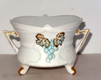 Lefton China White with Blue Grapes Footed Planter Number 2189 Gold Leaf Home and Garden Lawn and Garden Gardening Pots and Planters