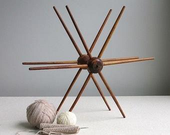 Vintage Industrial Wood Spool - Star Shaped Decoration Antique Swift Yarn Winder