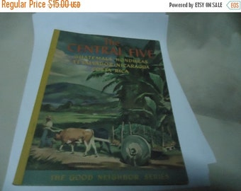 Independence Day Sale Vintage 1943 The Central Five Softback Book by Sydney Greenbie, collectable