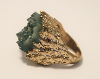 Vintage bark effect ring.  Green ring