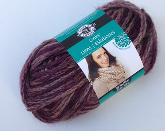Links Chain Link Yarn, Loops and Threads Links from Michaels, Deep Purple, Wool Acrylic Blend, Fast One Skein Projects, Bulky, Chunky