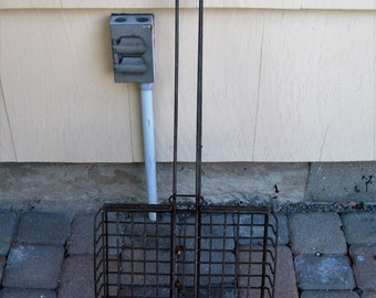 Vintage Long Handled Heavy Duty Campfire Cookout Grill Basket