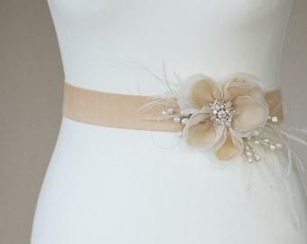 Floral Wedding dress belt Champagne Bridal sash Champagne wedding dress sash Floral Bridal belt Velvet belt Blush pink champagne