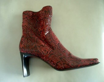 Retro Vintage Red Snakeskin Boots Ankle Length NINE WEST Sz 7 1/2 M Skinny Stack Heel Awsome New Never Worn
