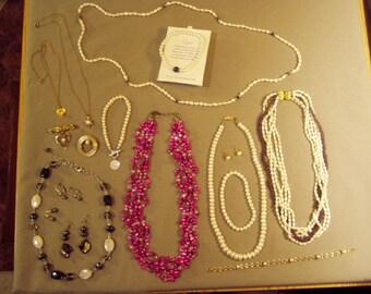 Vintage Lot Genuine Cultured Freshwater Pearl Necklaces Pins Bracelets Earrings 8547