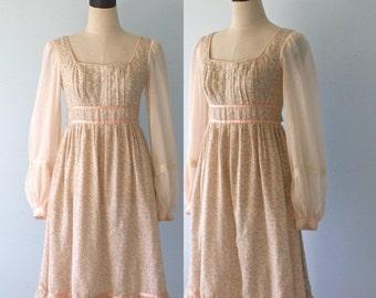 SALE Vintage 1970s GUNNE SAX Dress . 70s Renaissance Revival Woodstock Festival Boho Hippie Floral Calico Dress . Size Small