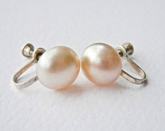 Retro Pearl Earrings, Pearl Screwback Earrings, Vintage Pearls , Simulated Pearls, Sterling Silver, Bridal Jewelry, Vintage Jewelry, 1950s