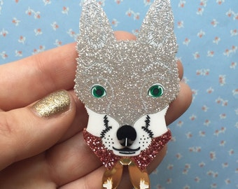Perspex Glitter Silver Fox Brooch