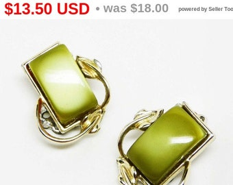 Green Moonglow Earrings - Lucite Clip On - Thermal Set Mad Men Mid Century Vintage Jewellery