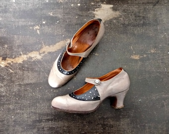 Antique 20s-30s Mary-Jane Pumps Taupe Leather Closed Small Heels / Size 37 Eur 5.5 US 4 UK