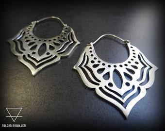 Boucles d 'oreille en laiton plaqué argent # lotus # brass earring # silver hoop # créole indienne