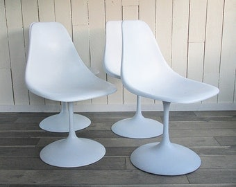Set of Four Tulip Chairs - Futuristic Eero Saarinen, Burke Style Mid Century Mod