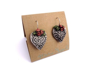 Hearts and red roses1 drop earrings by Marie Segal