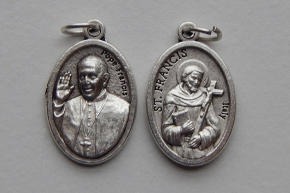 5 Patron Saint Medal Findings - St. Francis, Pope, Die Cast Silverplate, Silver Color, Oxidized Metal, Made in Italy, Charm, Drop, RM908
