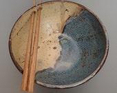 Handmade Large Stoneware Rice Bowl Noodle Bowl Ramen Bowl with Chopstick Rest Left Handed