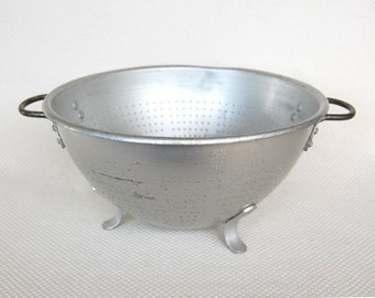Large Vintage Wearever Colander Number 3125 Wear-Ever Aluminum Footed Colander Rustic Touch for your Shabby Cottage or Farmhouse Decor