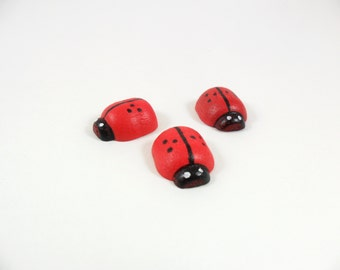 "Lady Bugs Wood 11/16"" Long x 5/8"" Wide 1/4"" Thick (1.74cm x 1.58cm x 0.6cm) - 12 Pieces"