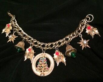 Vintage 1960's Christmas Charm Bracelet: Christmas Tree, Star of Bethlehem, Holly Berry Charms