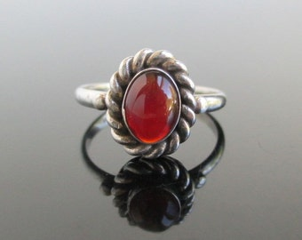 925 Sterling Silver & Carnelian Ring - Vintage Unused, Rope Texture, Size 8