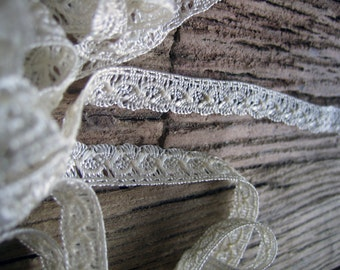 118 inches Sweet Vintage Rayon Trim  5/8th inch wide (Ref:  A-3097/2 Box 1)
