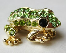 Vintage 50s Green Rhinestone Jeweled Miniature Frog Gold Brooch Pin