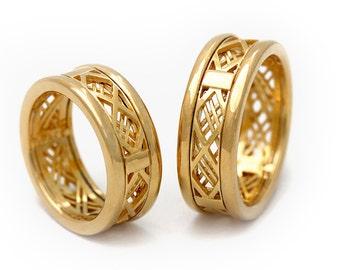 Matching wedding bands, Wedding band set gold, Gold bands, 14K Gold men band, Couple ring set, Men's band, texture gold ring, layered rings