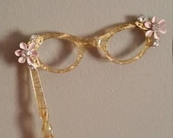 Vintage Hand Held Eyeglasses Cat Eye Glasses Magnifiers 1950s Retro Mid Century Confetti Lucite Flowers Rhinestones