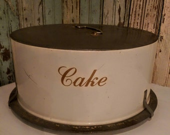 Vintage Cake Holder/Cake Carrier/Farmhouse Chic/Shabby Cottage Kitchen