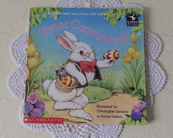 Booklet: PETER COTTONTAIL, Scholastic, Read with Me book, 1st printing 1994. Adorable Illustrations.