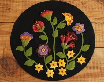 "Wool applique penny rug PATTERN &/or KIT ""Jacobean Flowers"" table runner hand dyed rug hooking wool felt primitive felted wool quilt block"