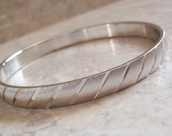 Monet Bangle Bracelet Silver Tone Striped Diagonal Vintage 081715DU